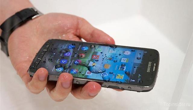 Если смартфон попал в воду